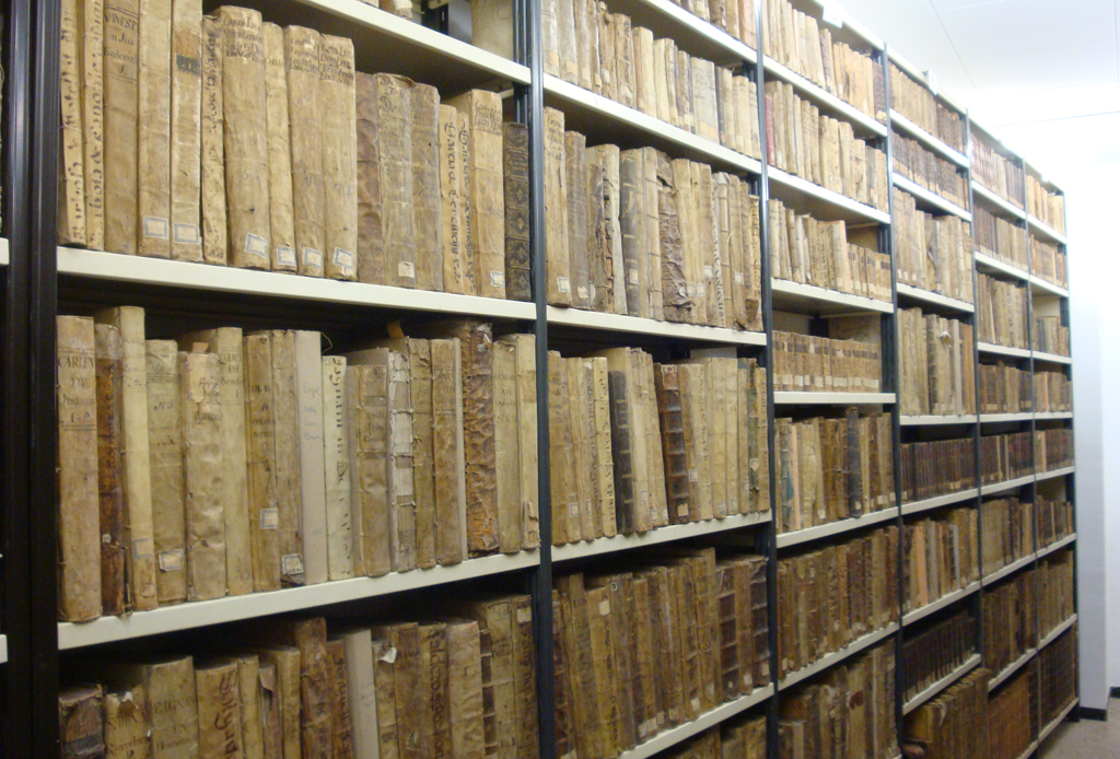 Sección de libros antiguos