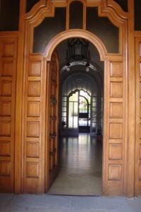 Entrada de la Casa Madre Claretiana. Obra iniciada el año 1929 del arquitecto Josep Maria Pericas (Vic 1881-1966)..